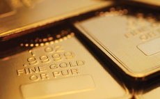 Gold in biggest fall for two years as Fed rate rise expected